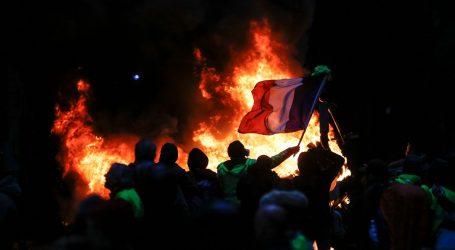 """L'inizio di una """"Stalingrado"""" sociale in Europa: i gilet gialli contro l'impero totalitario della finanza"""