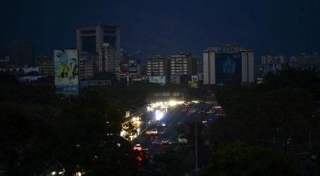 Venezuela: dagli aiuti umanitari USA al cyberattacco-blackout, è già guerra di nuova generazione e antica ipocrisia