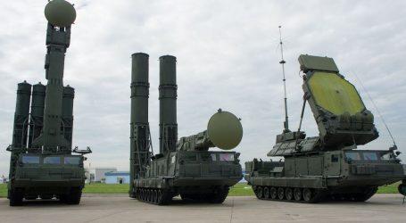 Venezuela, l'esercito dispiega i sistemi antimissile russi S-300 a Caracas