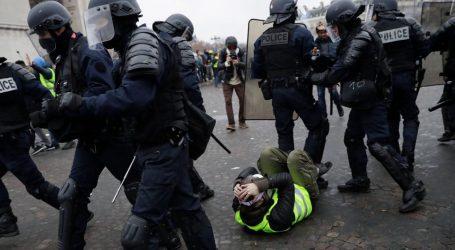L'ultima vergogna del globalismo: il disperato Macron invia l'esercito francese contro i giubbotti gialli