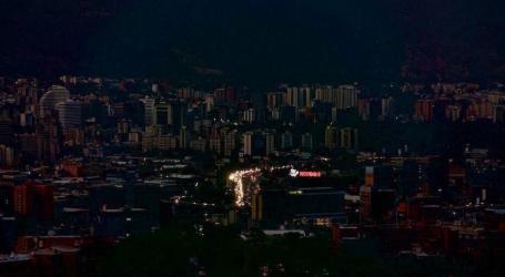 Specialisti militari russi tovano le prove del sabotaggio contro le centrali elettriche in Venezuela