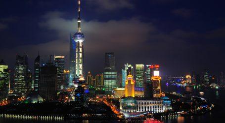 Un'incredibile immagine di Shangai, zoomabile fino a vedere le facce delle persone.