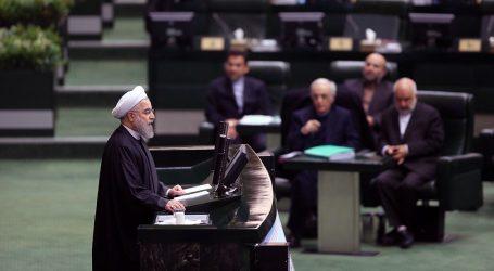 Sanzioni all'Iran: ecco come l'Italia (e l'Eni) cede a Usa e Israele