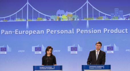 La Ue ha Privatizzato le Pensioni. Ma tutti Erano Impegnati con L'Antifascismo