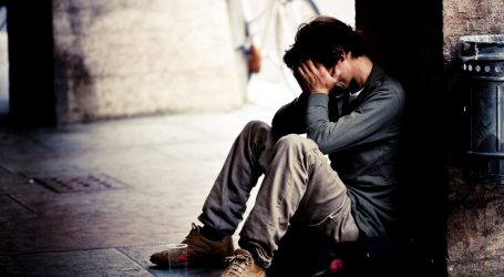 Aumento dell'Età Pensionabile e Disoccupazione Giovanile: Una Generazione allo Sfascio