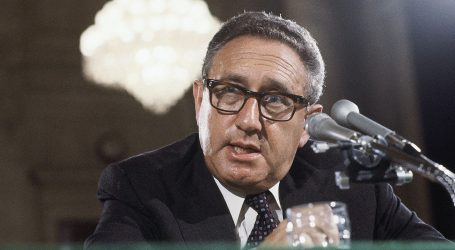 Henry Kissinger Anno 2010 Vero o Falso? Guardati Attorno e' solo Reale