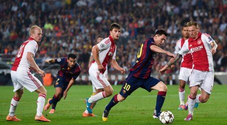 Metodo Ajax e Barcellona la Palla non Entra Mai per Caso