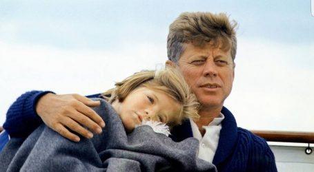 Profetiche Parole di John Kennedy: C'e una Spietata Cospirazione altro che Mascherine e Coronavirus