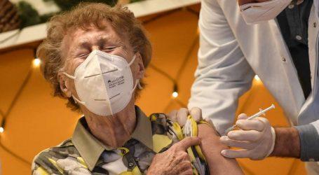 Berlino: 8 di 31 Anziani Vaccinati con la forza e Morti subito dopo in Casa di Cura!