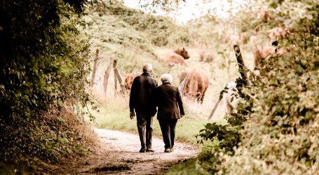 Solitudine: 5 Modi per Aiutare i tuoi Anziani Genitori