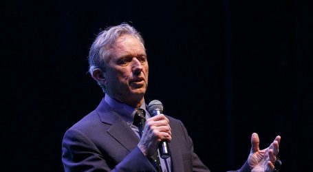 Robert F. Kennedy Jr: Americans Wake Up! Outlaws are Stealing our Democracy!