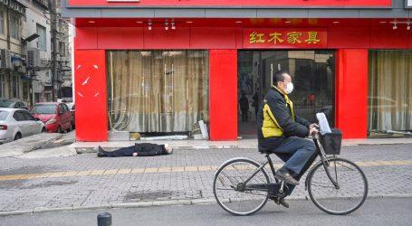 Chi ha Messo in Scena i Video delle Persone che Crollano a Wuhan?